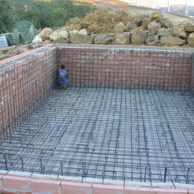 Как сделать бассейн: 4 этапа строительства