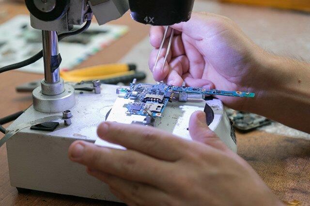 Как открыть мастерскую по ремонту телефонов?